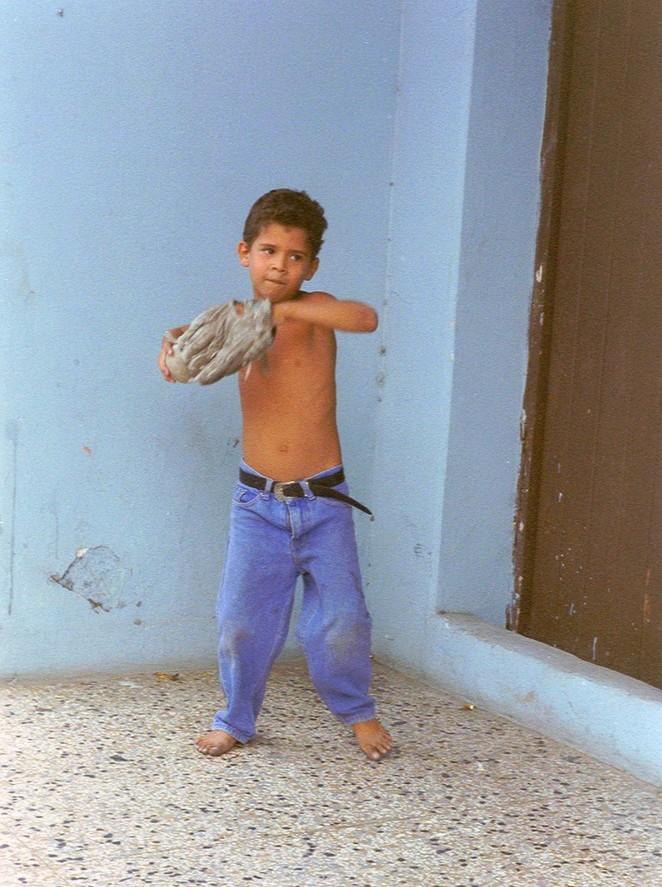 Jongetje op Cuba