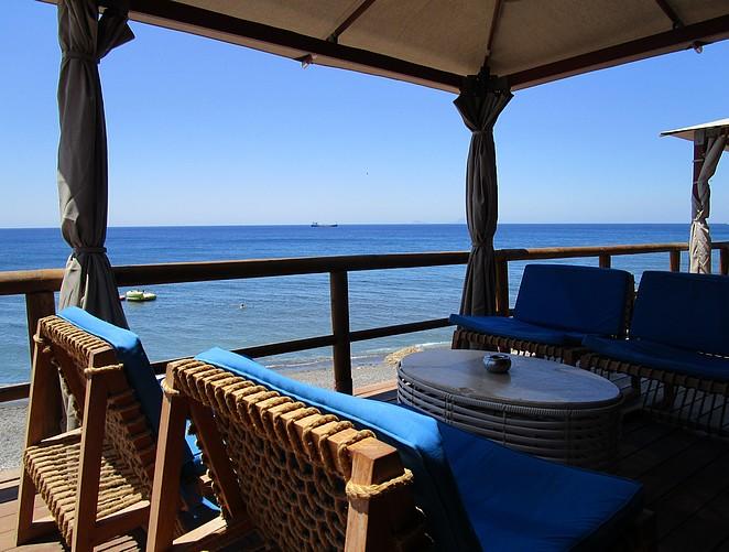 Relaxte beachclub Santorini