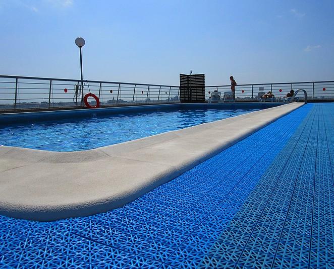 Valencia hotel met zwembad op dak