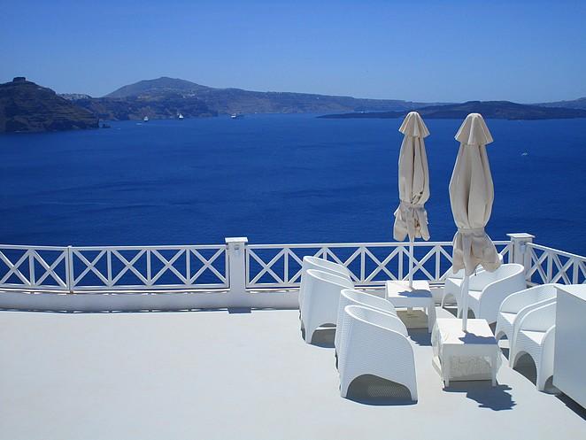 Zicht vanaf Fira Santorini