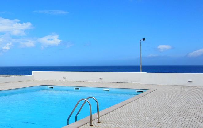 Zwembad in Santa Cruz das Flores