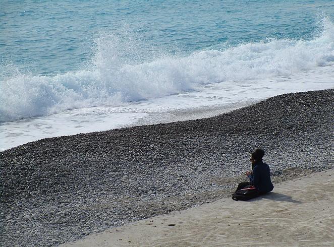 meisje-strand-Nice