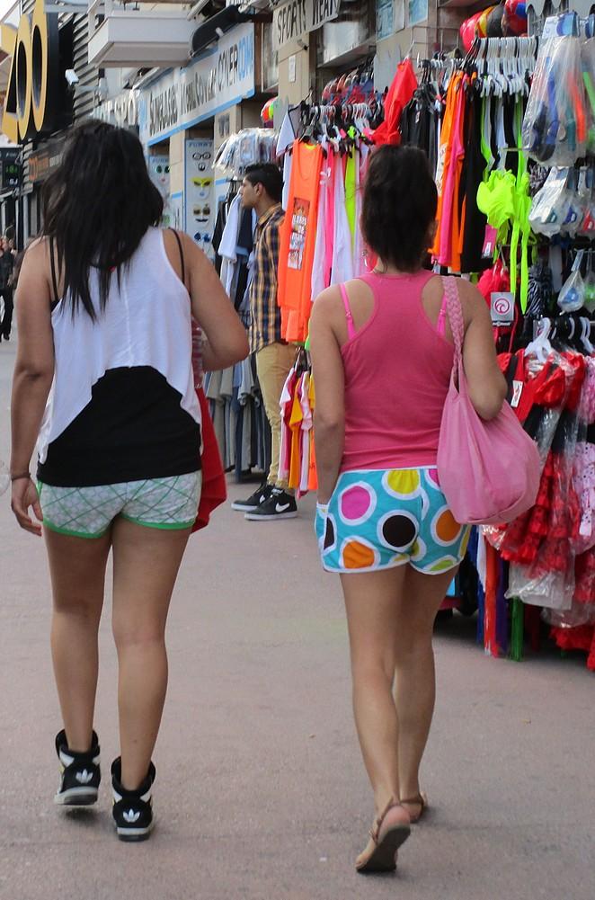 vakantiegangers in Lloret