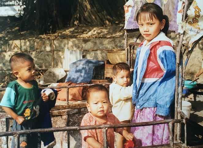 kinderen-birma-2002