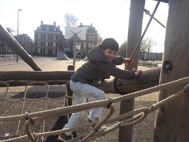 speeltuin-amsterdam-met-kinderen