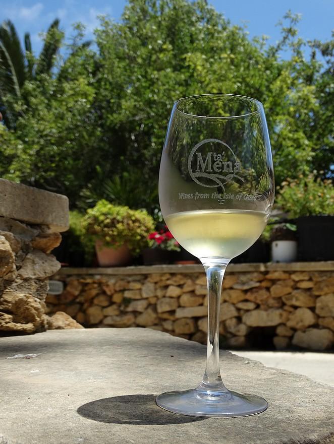 wijn-ta-mena