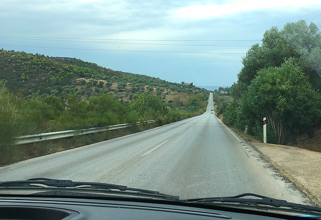on-the-road-in-halkidiki