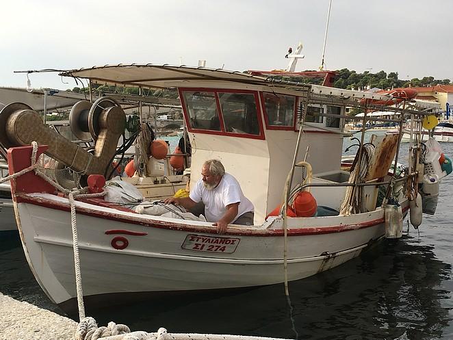vissersboot-ormos-panagias