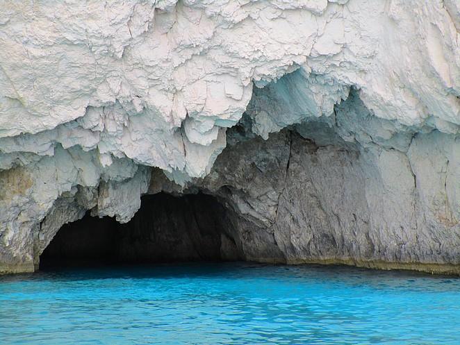 grotten-grieks-eiland