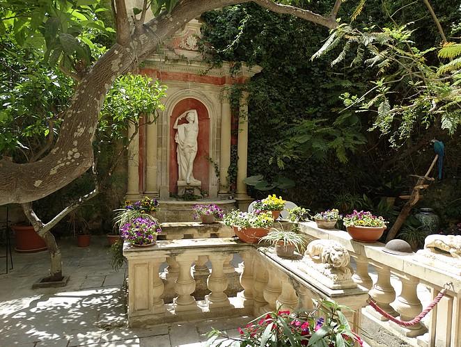 patio-casa-rocca-piccola