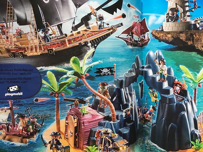 piratenschip-en-piratenhol-6678-6679