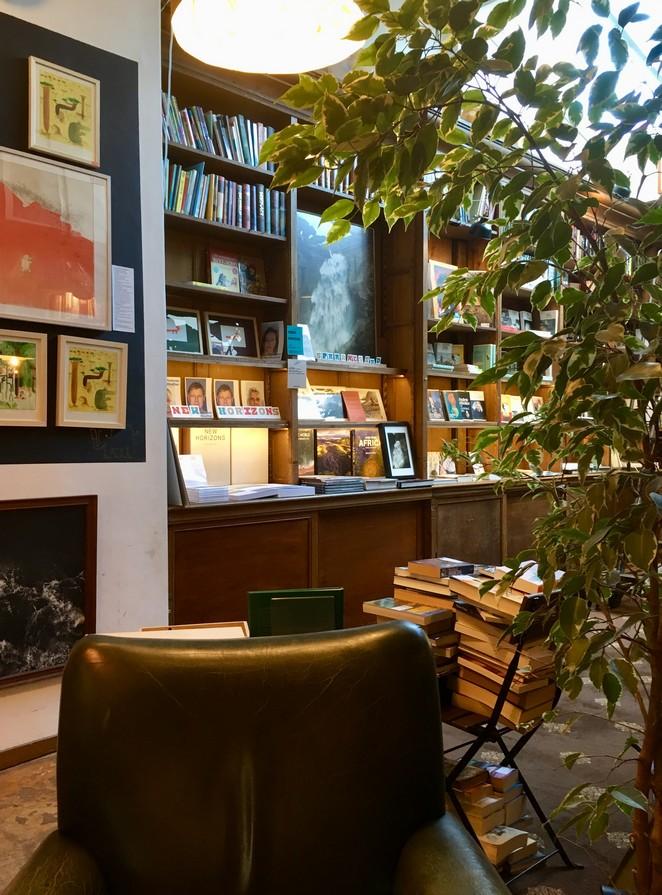 boekwinkel-koffie-den-haag