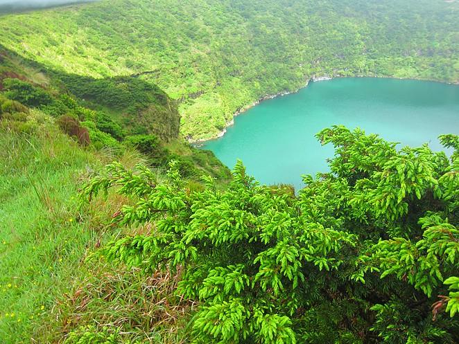 Lagoa-Negra-kratermeer-Flores