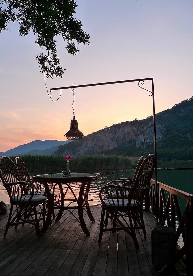 Dalyan-restaurant-rivier