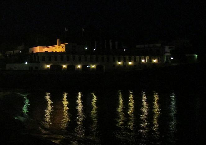la-gavina-de-noche