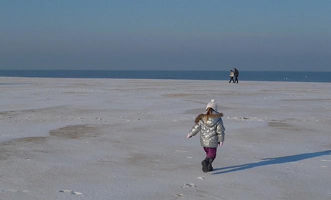 sneeuw-op-het-strand
