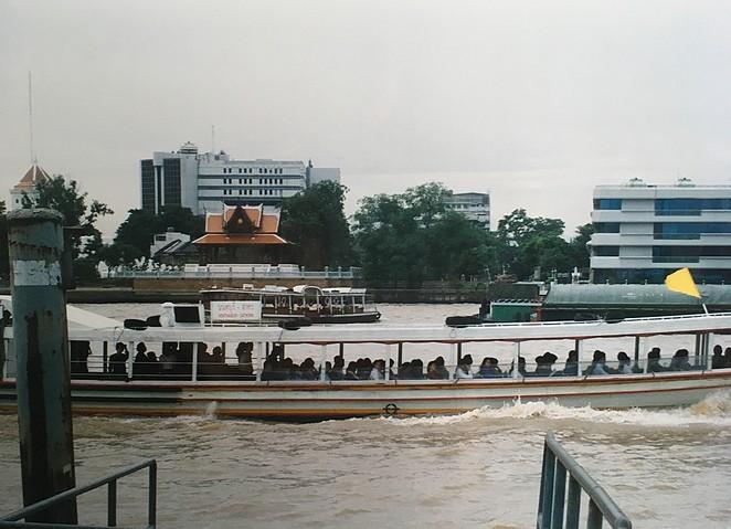 Chao-Praya-rivier-bootjes