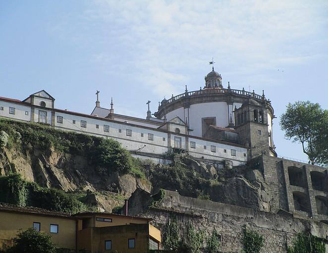 mosteiro-da-serra-do-pilar