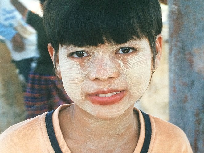 meisje-thanaka-myanmar