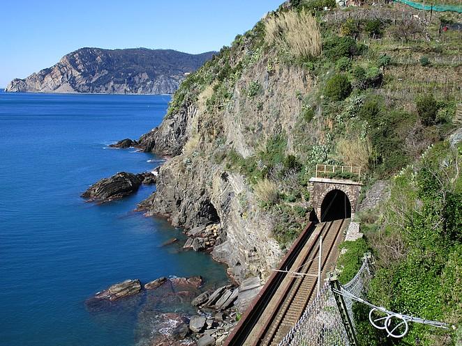trein-Cinque-Terre