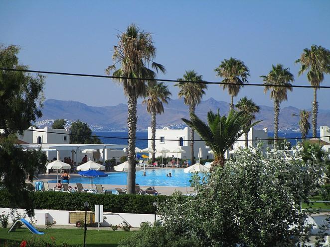 zwembad-aeolos-beach-hotel-kos