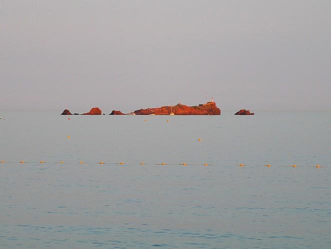 rode-rotsen-frankrijk