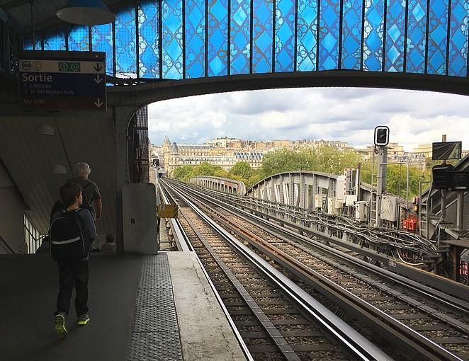 metro-naar-eiffeltoren