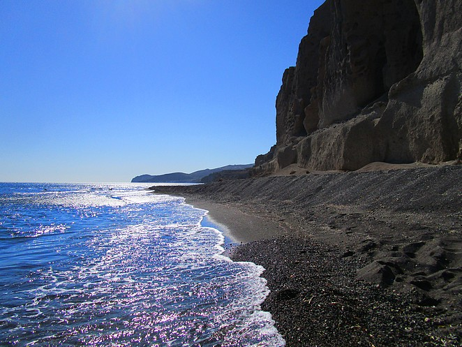 bijzonder-strand-santorini