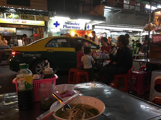 eten-op-straat-bangkok