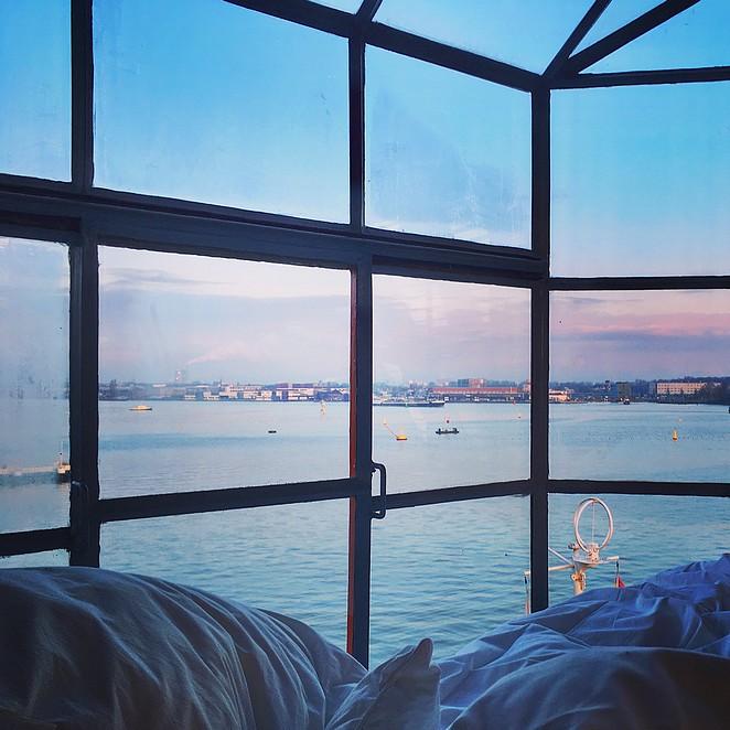 sunset-crane-apartment