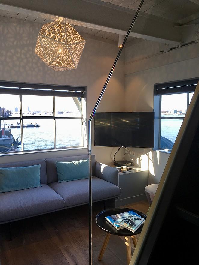 yays-boutique-apartment-crane