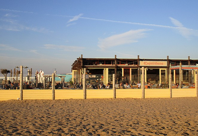paasbrunch-strand