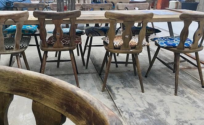 de-kust-stoelen