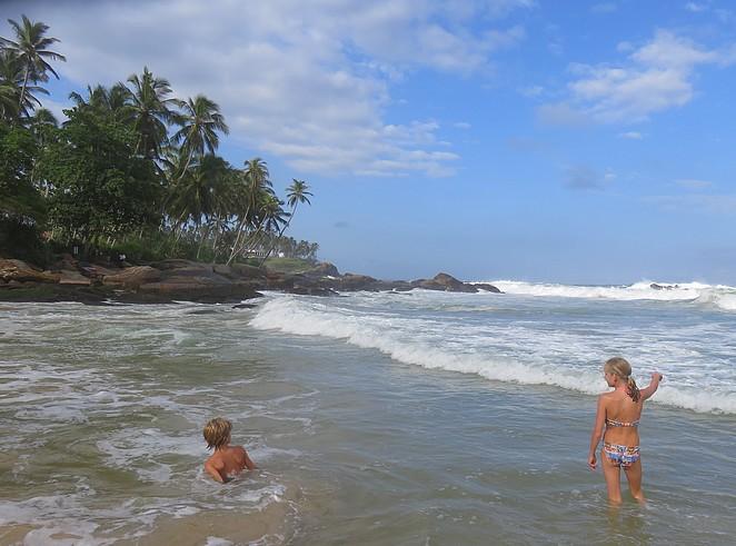 strand-sri-lanka-kinderen