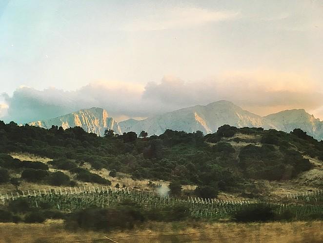 mooie-bergen-sardinie