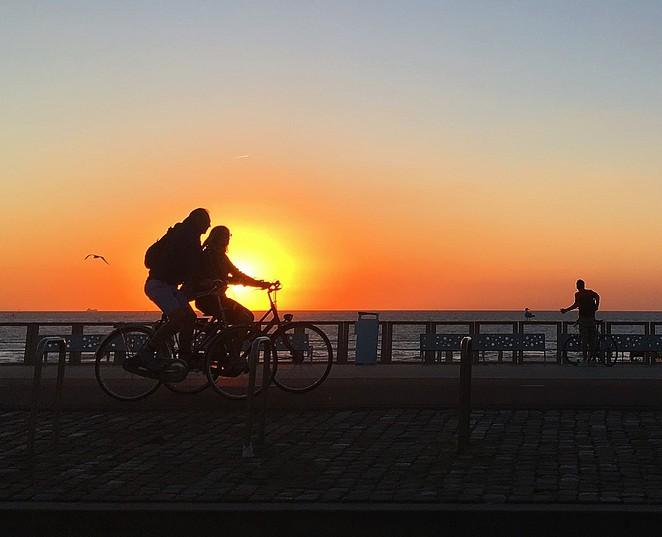 fietsen-boulevard-scheveningen