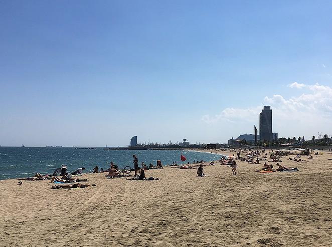 strand-barcelona-in-juli