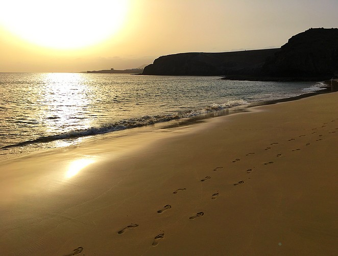 follow-my-footprints-strand-papagayo-lanzarote