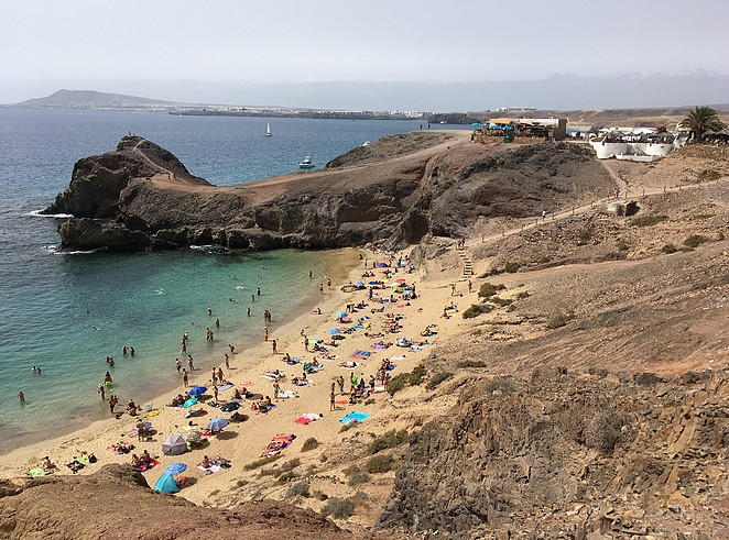 playa-papagayo-playa-blanca