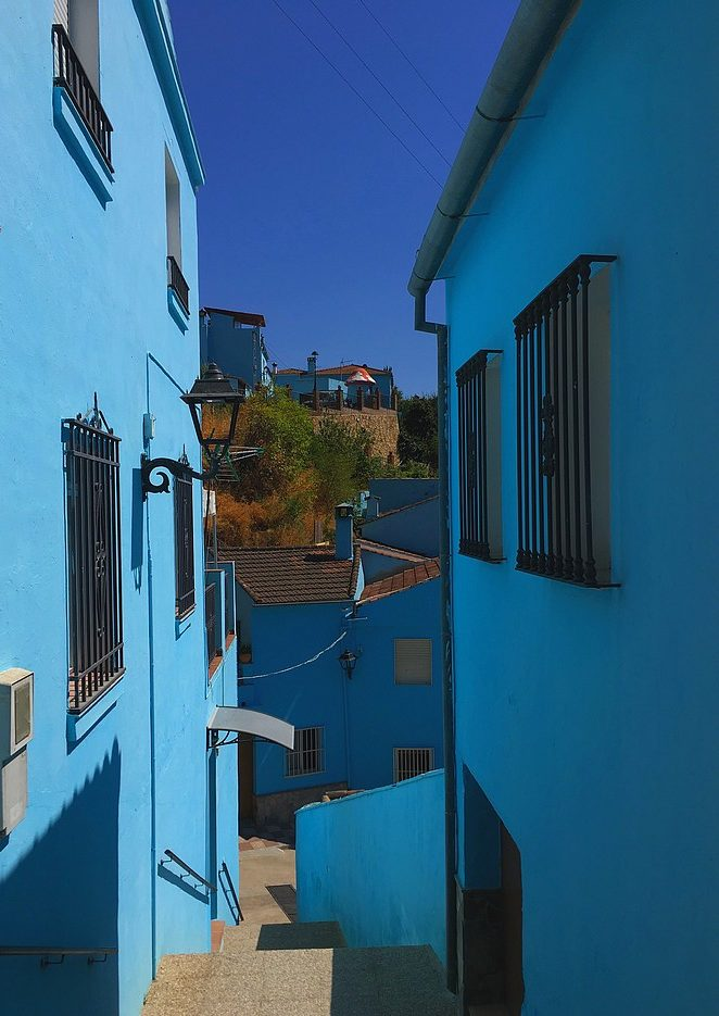blauw-dorp-in-andalusie