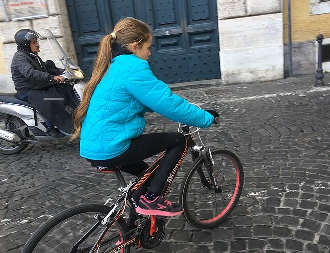 fietsen-in-rome-gevaarlijk
