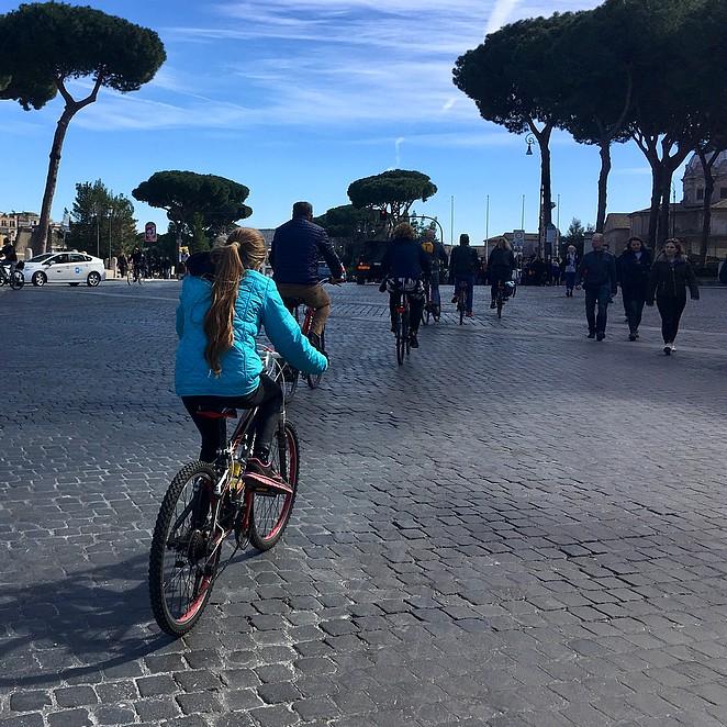 Met kinderen fietsen in Rome, is dat niet eng?