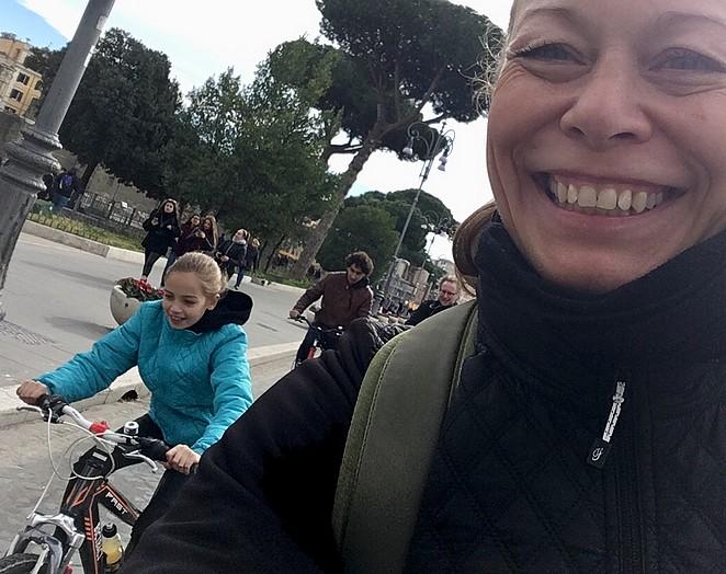 met-kinderen-fietsen-in-rome
