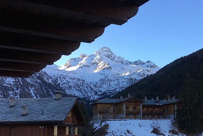 uitzicht-balkon-hotel-la-thuile