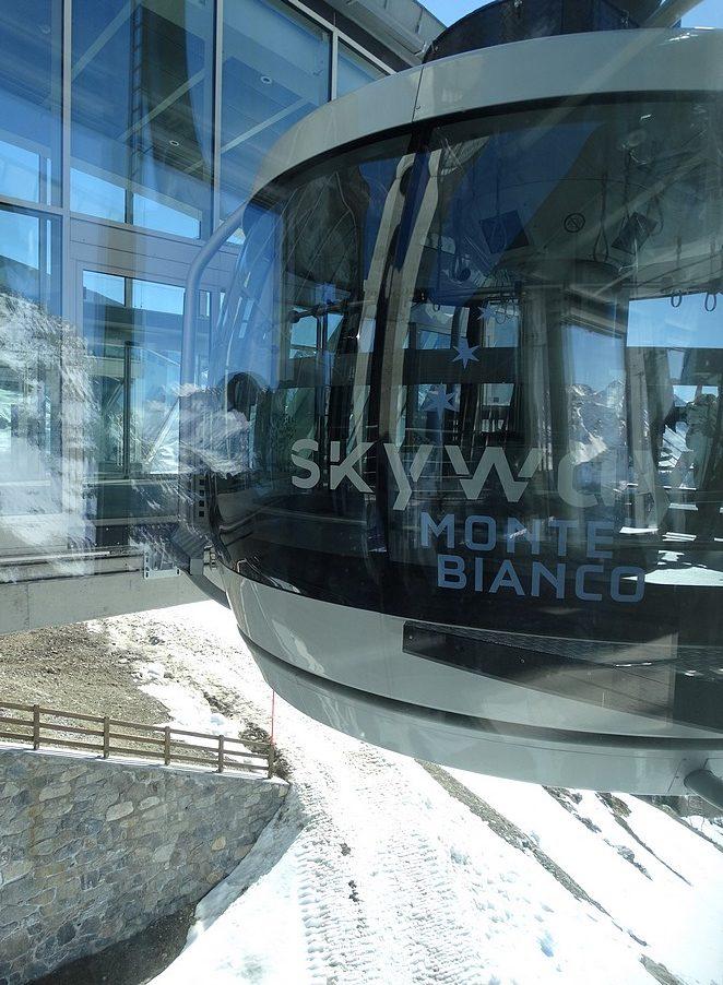 skyway-monte-bianco-cabine