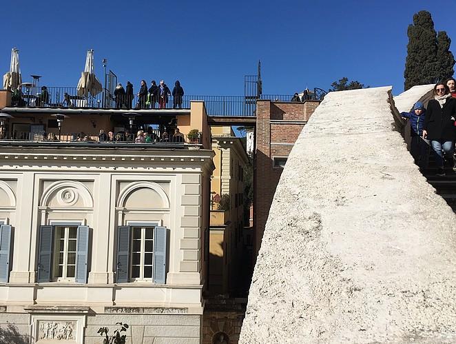 terras-bij-spaanse-trappen