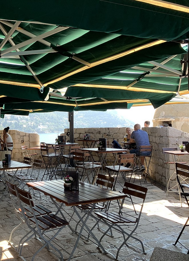 restaurant-city-walls-dubrovnik