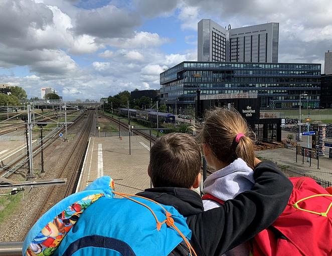 amsterdam-sloterdijk-train-lodge
