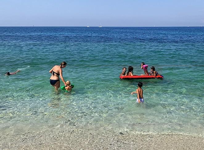 elba-met-kinderen-strand