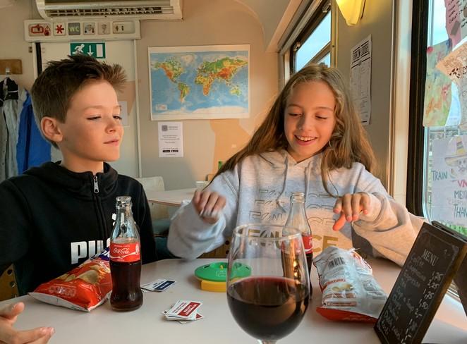 kids-train-lodge